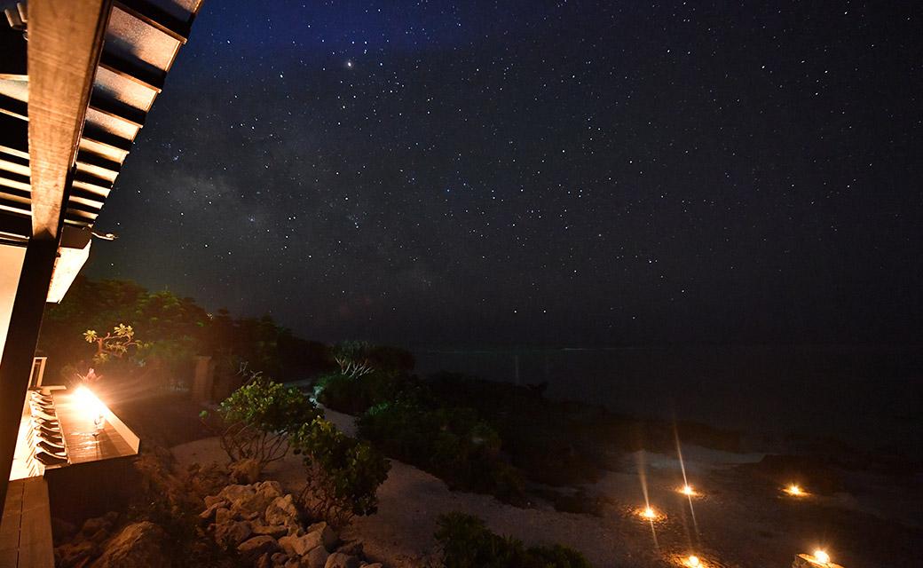 カフェテラスからの星空。